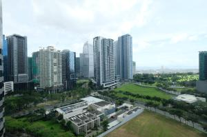Fairways Tower at BGC by StayHome Asia, Апартаменты  Манила - big - 21