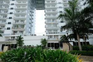 SM Shell Residences Pasay by StayHome Asia, Apartments  Manila - big - 9