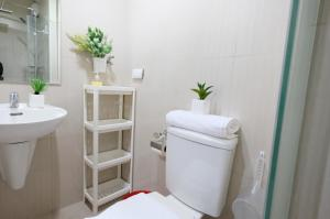 SM Shell Residences Pasay by StayHome Asia, Apartments  Manila - big - 20