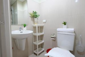 SM Shell Residences Pasay by StayHome Asia, Apartments  Manila - big - 22