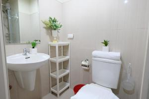 SM Shell Residences Pasay by StayHome Asia, Apartments  Manila - big - 23