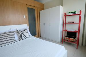 SM Shell Residences Pasay by StayHome Asia, Apartments  Manila - big - 42