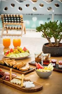 Portes Suites & Villas Mykonos, Aparthotels  Glastros - big - 77