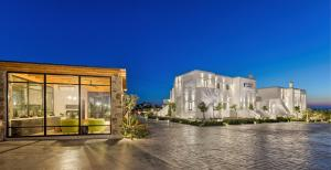 Portes Suites & Villas Mykonos, Aparthotels  Glastros - big - 71