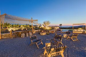 Portes Suites & Villas Mykonos, Aparthotels  Glastros - big - 81