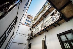 BpR Apáczai Street Design Apartment, Apartmány  Budapešť - big - 32