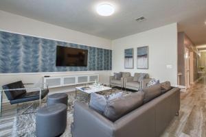 Storey Lake 4718SH - Six Bedroom Home