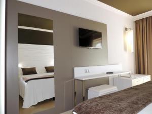 Augustus, Hotel  Cambrils - big - 2