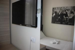 Living Hotel, Hotely  Tirana - big - 22