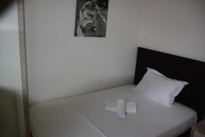 Living Hotel, Hotels  Tirana - big - 20