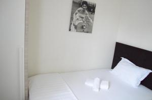 Living Hotel, Hotels  Tirana - big - 10