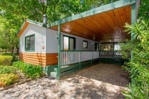 Bright Freeburgh Caravan Park, Комплексы для отдыха с коттеджами/бунгало  Брайт - big - 26