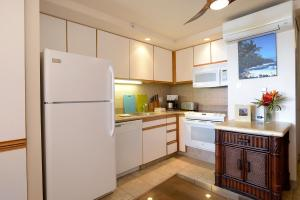 Premium Two-Bedroom Apartment with Ocean View and Balcony