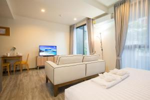 The Deck Condo Patong by VIP, Apartmány  Patong - big - 23