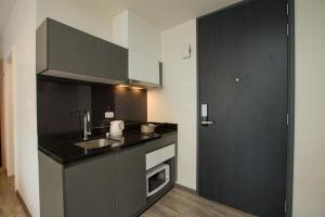 The Deck Condo Patong by VIP, Apartmány  Patong - big - 21