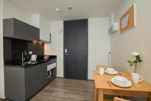 The Deck Condo Patong by VIP, Apartmány  Patong - big - 20