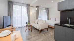 The Deck Condo Patong by VIP, Apartmány  Patong - big - 16