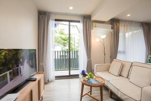 The Deck Condo Patong by VIP, Apartmány  Patong - big - 12