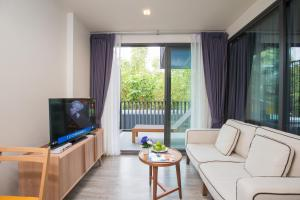 The Deck Condo Patong by VIP, Apartmány  Patong - big - 7