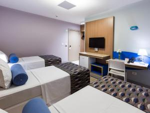 Triple Room (3 Single Bed)