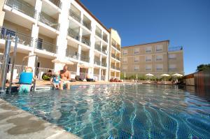 Residence de tourisme cote green appart h tel 4 toiles for Hotel montpellier avec piscine