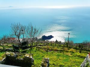 Amalfi paradiso a picco sul mare - AbcAlberghi.com