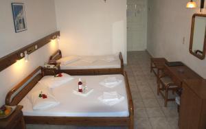Levante Beach Hotel(Kamari)