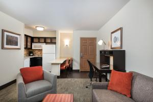 Staybridge Suites Chantilly Dulles Airport, Hotely  Chantilly - big - 10