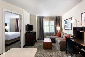 Staybridge Suites Chantilly Dulles Airport, Hotely  Chantilly - big - 18
