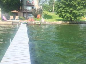 Lovely Lakeside Lodge
