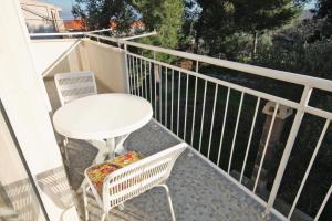 Apartment Slatine 5999b, Ferienwohnungen  Slatine - big - 11