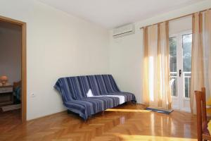 Apartment Slatine 5999b, Apartmány  Slatine - big - 6