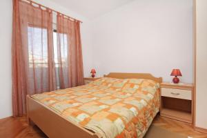 Apartment Slatine 5999a, Apartmány  Slatine - big - 6