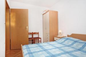 Apartment Slatine 5999b, Apartmány  Slatine - big - 3