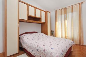 Apartment Slatine 5999d, Apartments  Slatine - big - 10