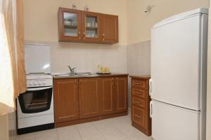 Apartment Slatine 5999d, Apartmanok  Slatine - big - 5