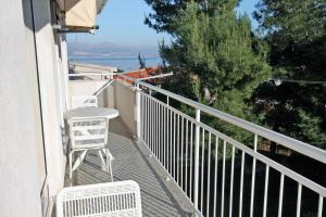 Apartment Slatine 5999d, Apartmanok  Slatine - big - 2
