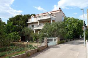 Apartment Pirovac 6280a