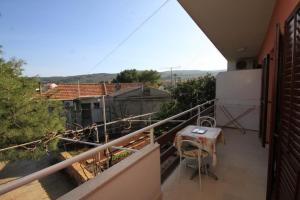 Apartment Slatine 7585b, Apartmanok  Slatine - big - 6