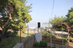 Apartment Slatine 7585b, Apartmanok  Slatine - big - 11