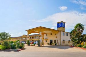 Americas Best Value Inn & Suites Waller-Prairie View