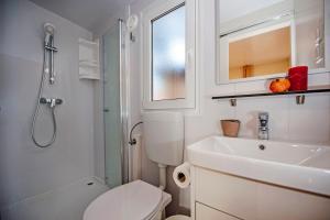 Campsite Porton Biondi Mobile Homes Mediteran, Ferienparks  Rovinj - big - 74