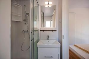 Campsite Porton Biondi Mobile Homes Mediteran, Ferienparks  Rovinj - big - 110