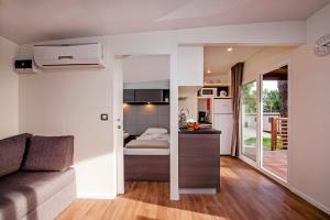Campsite Porton Biondi Mobile Homes Mediteran, Ferienparks  Rovinj - big - 89
