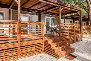 Campsite Porton Biondi Mobile Homes Mediteran, Ferienparks  Rovinj - big - 45