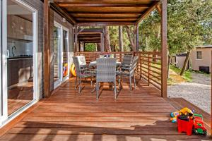 Campsite Porton Biondi Mobile Homes Mediteran, Ferienparks  Rovinj - big - 36