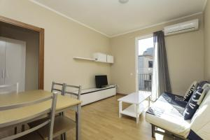 ApartEasy - Family Barcelona Beach, Appartamenti  Barcellona - big - 12