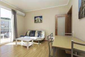 ApartEasy - Family Barcelona Beach, Appartamenti  Barcellona - big - 2