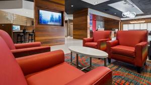 Best Western Premier Milwaukee-Brookfield Hotel & Suites, Отели  Brookfield - big - 27