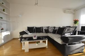 Apartment Jolly, Apartmanok  Belgrád - big - 19